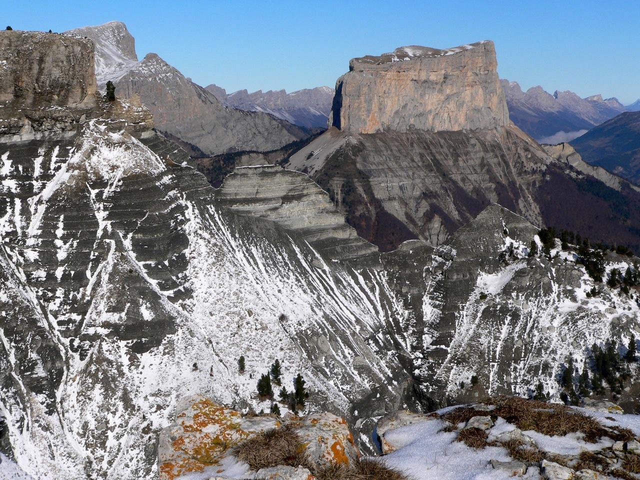 Le mont aiguille depuis la tete chevalière
