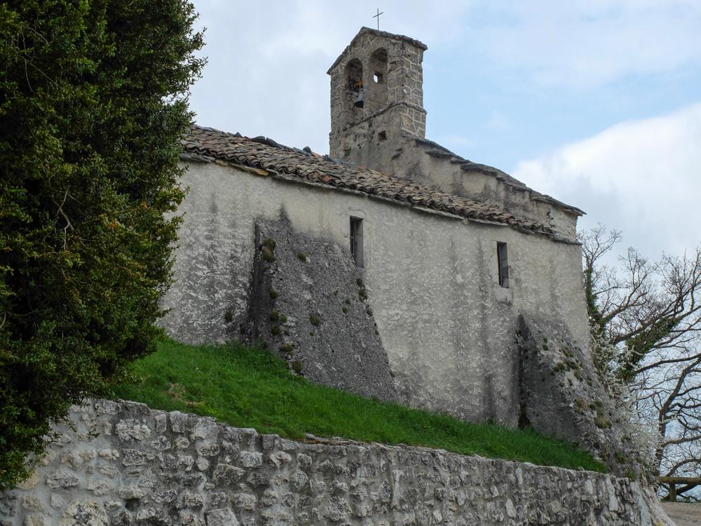 Site de la Tour sans venin à Saint nizier... L'église