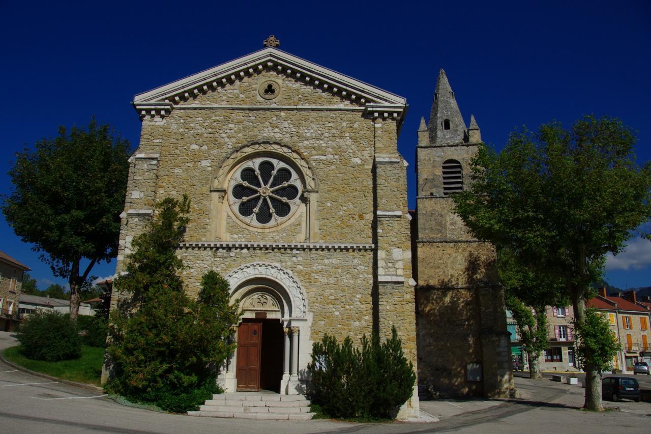 eglise la chapelle (72)