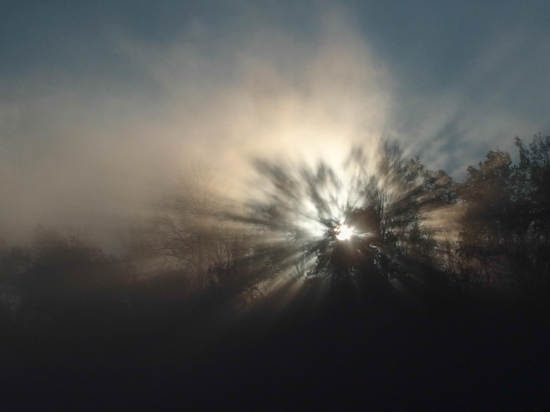 soleil levant dans la brume de St Nazaire en Royans