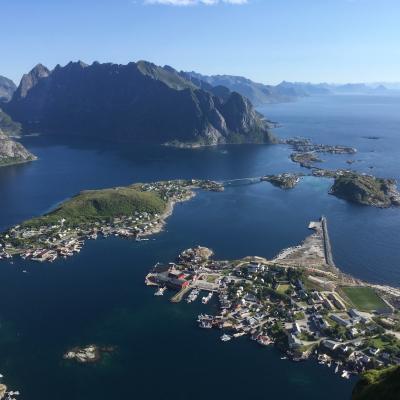 les îles LOFOTEN (Henningsvaer)- Norvège