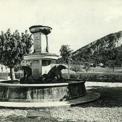 La Chapelle en Vercors La fontaine des Ours