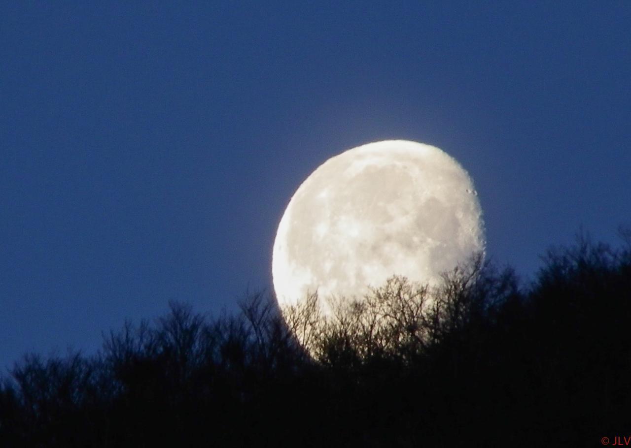 lever de lune sur le Claveyron