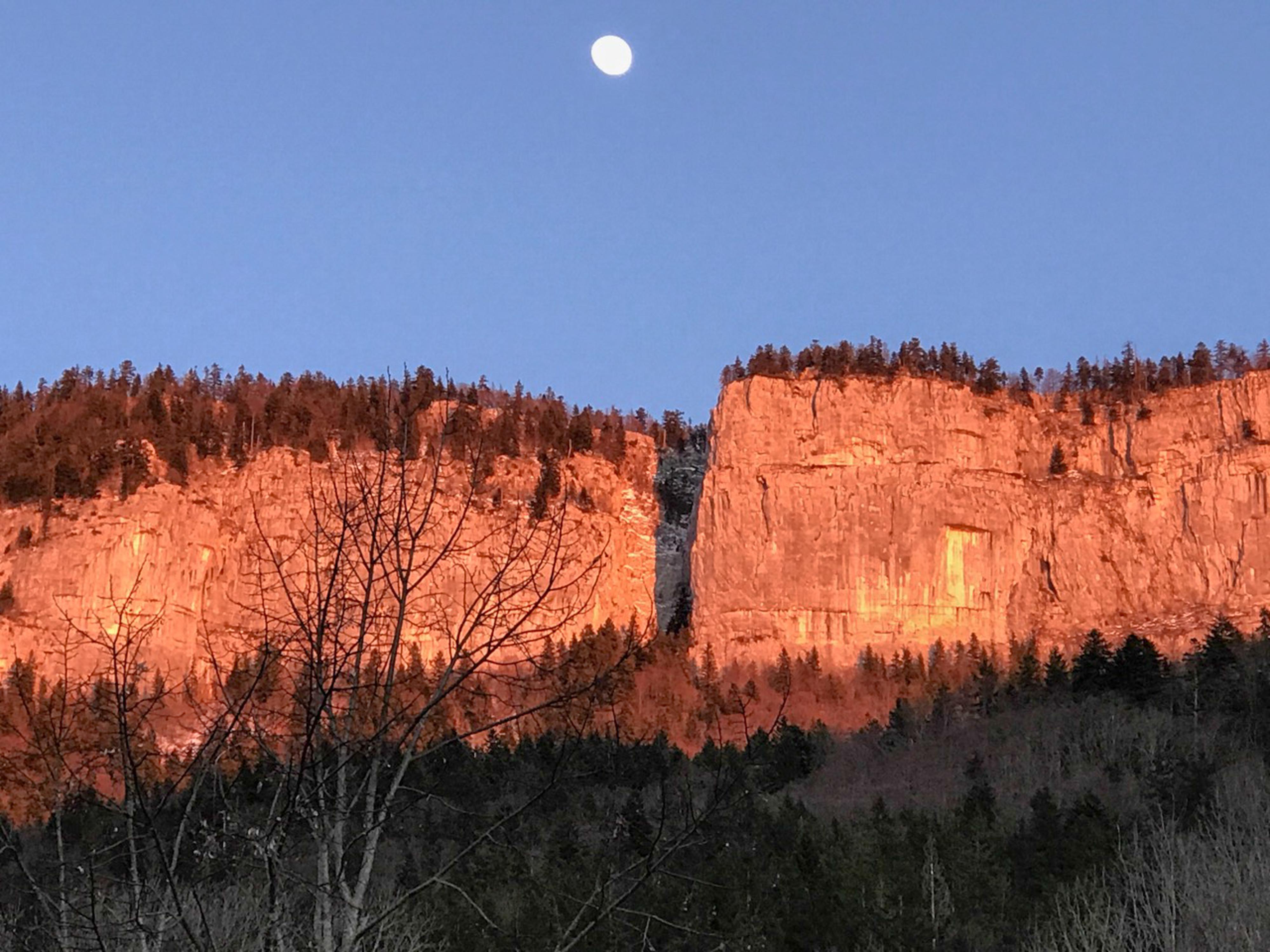 coucher de soleil sur la crête de Chalimont