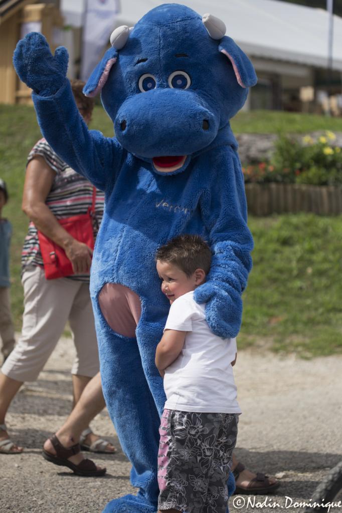Bleuette avec un petit gars ravi!