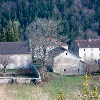 St Agnan maison avec jardin de curé