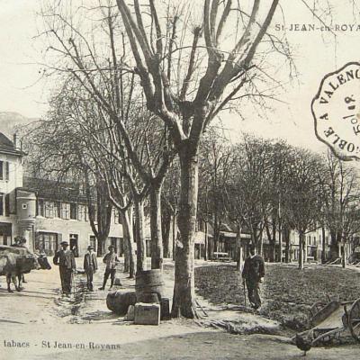 Saint Jean en Royans l'esplanade