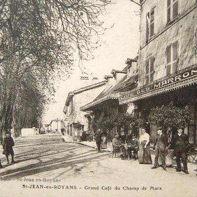 Saint Jean en Royans Grand Café du champ de Mars