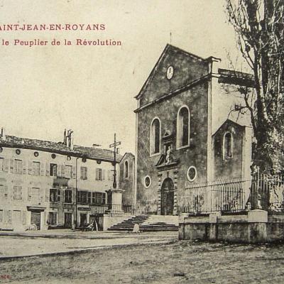 Saint Jean en Royans l'église et le peuplier de la Révolution