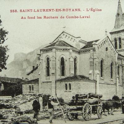 Saint Laurent en Royans L'église, Au fond Combe Laval