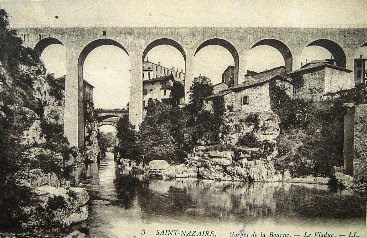 Saint Nazaire en Royans Gorges de la Bourne, le viaduc