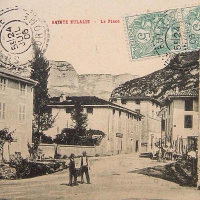 Sainte Eulalie en Royans La place