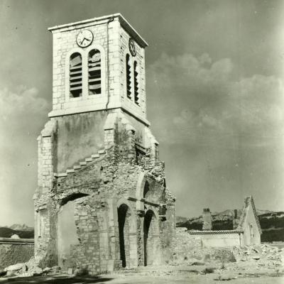 Eglise de Vassieux en Vercors après guerre